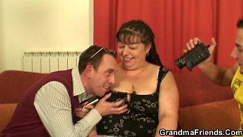 two guys penetrate phat mature whore
