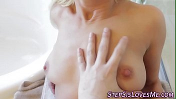 nubile gives point of glance oral.