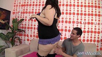 bbw hoe fat-titted bella open up her coochie.