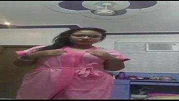 wwwsexroulette24com - warm indian girl striptease