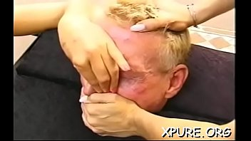domina makes his face a tabouret