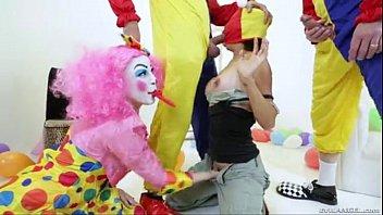 dana and the clowns