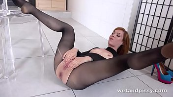 wtf - steamy sandy-haired showers in her own piss