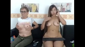 mummy and stepdaughter on webcam demonstrate