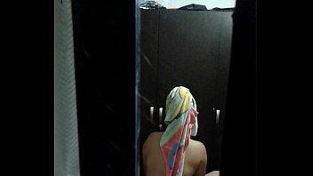 espiando por la ventana2