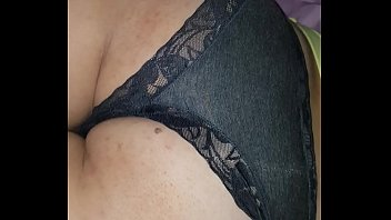 sleeping wifey culo underpants