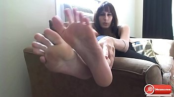 humungous feet jerk off instructions