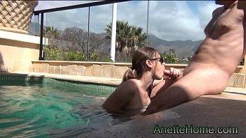 duo fledgling francais baise et pecker a la piscine