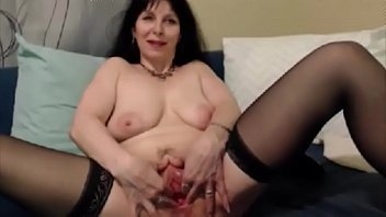 older damsel opens her gash for a bad boy