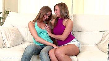 sensuous eating by lezzie erotica - voluptuous lesbo.