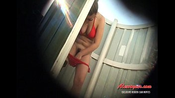 hiden webcam in beach cabin 010