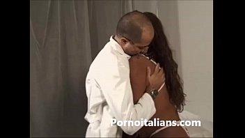 ragazza nera  incinta scopata dal medico -.