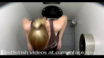 voyeur wc peeing damsel nine