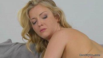 lesbo paramours in pantyhose slurping
