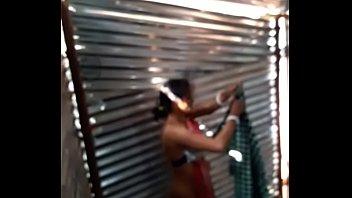 desi lady maid bathtub in labour shed fresh.
