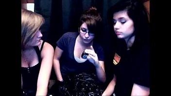 trio dolls throw up throw up vomiting puking.