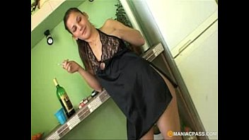 grind nubile woman with unshaved slit.