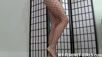 fishnet tights make me perceive like such a.