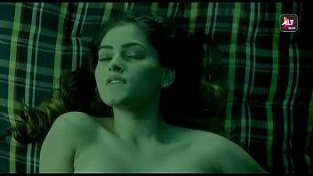 bollywood actress suveen chawla in lesbos.