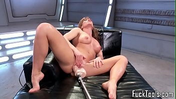 machine liking cougar gets her puss.