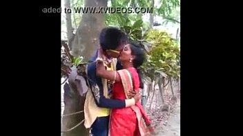 indian aunty caught smooching in park - 20.