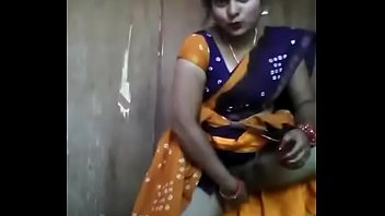 desi aunty toying with cucumber