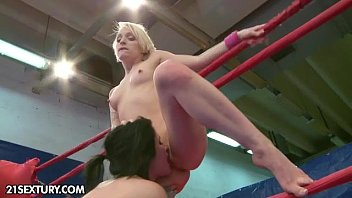 nude fight club introduces paige fox vs lucy bell
