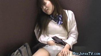 japanese teenie public pee