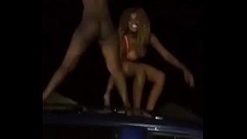 kenyan femmes unclothe bare