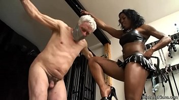 domme kiana kneeing ball sack punches.