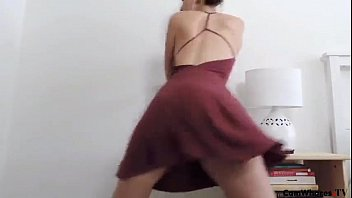 spectacular chick dances and gets bare in front.
