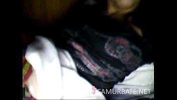 argentinian-jacking-while-her-roomie-rests-camurbatenet