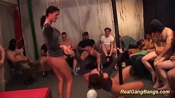 swinger groupsex soiree bang-out