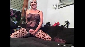 mature stunner wank on web cam