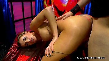 buxom tart gives oral with booty tonguing in.
