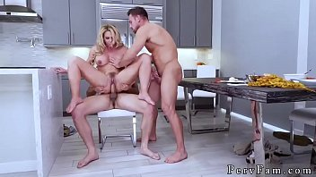 unsuspicious giantess duddy039_s daughter-in-law army boy meets fat-boobed stepmother