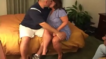 gargles husband while he films