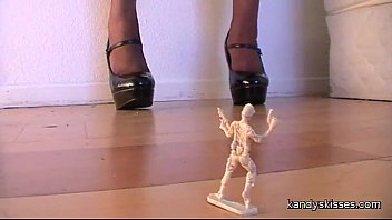giantess boot stomp