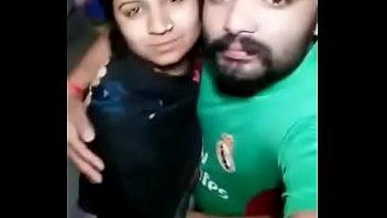 desi uber-cute uber-sexy bhabhi give smooch smooch her husband