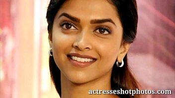 actresseshotphotoscom deepika padukone warm handsome cleavage