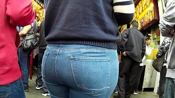 large rump jeans latinas