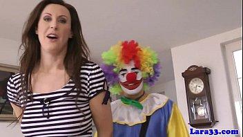 brit glam mature cockblowing lucky clown