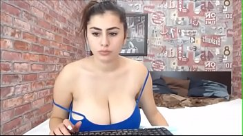 hefty-titted youthfull dame web cam