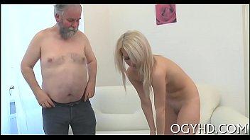 elder bulky guy bangs youthfull honeypot
