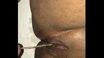 peeing on ebonyrsquo_s puss