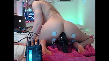 inexperienced siswet19 toying on live cam