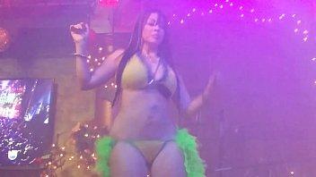 mexicanas en tanga bailando