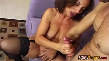 cougar with stocking likes thick chisel