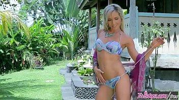 twistys - aloha skye beetwistys