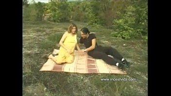 picnic with prego mum while parent.
